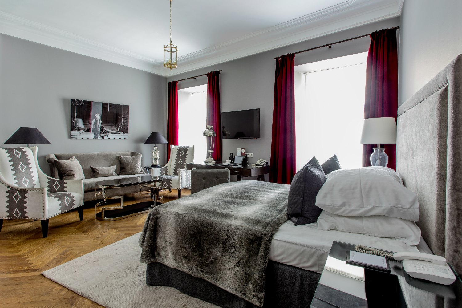 Hotel St Petersbourg In Tallinn